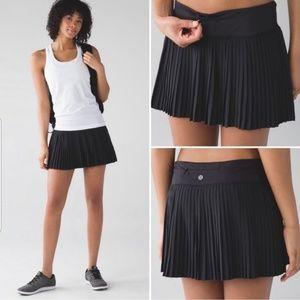 Lululemon Black Pleat to Street Skort Skirt II 2